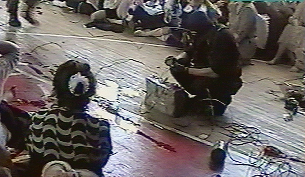 2004年9月1日,是貝斯蘭第一中學的開學典禮。不料卻有30餘名車臣武裝份子,突...