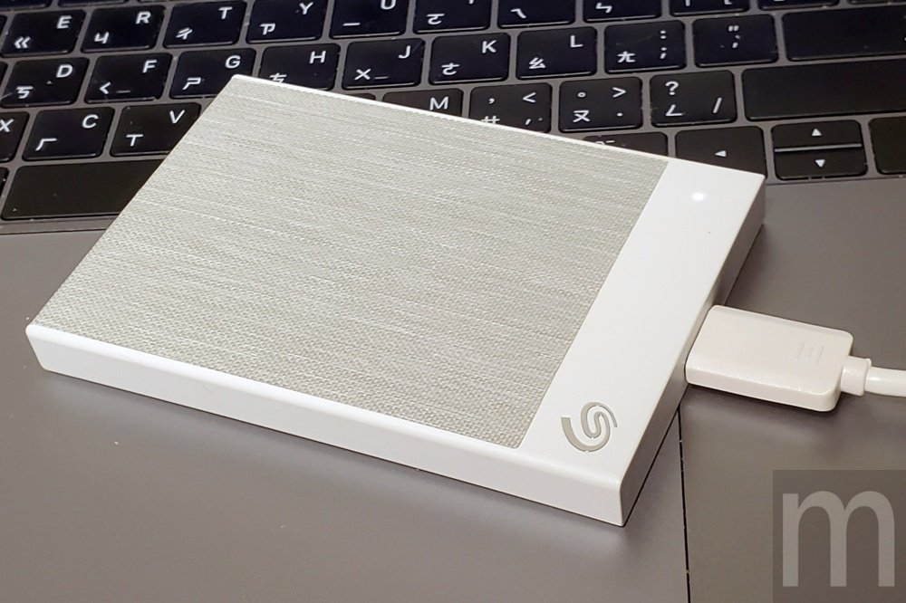 Seagate Backup Plus Ultra Touch外接行動硬碟