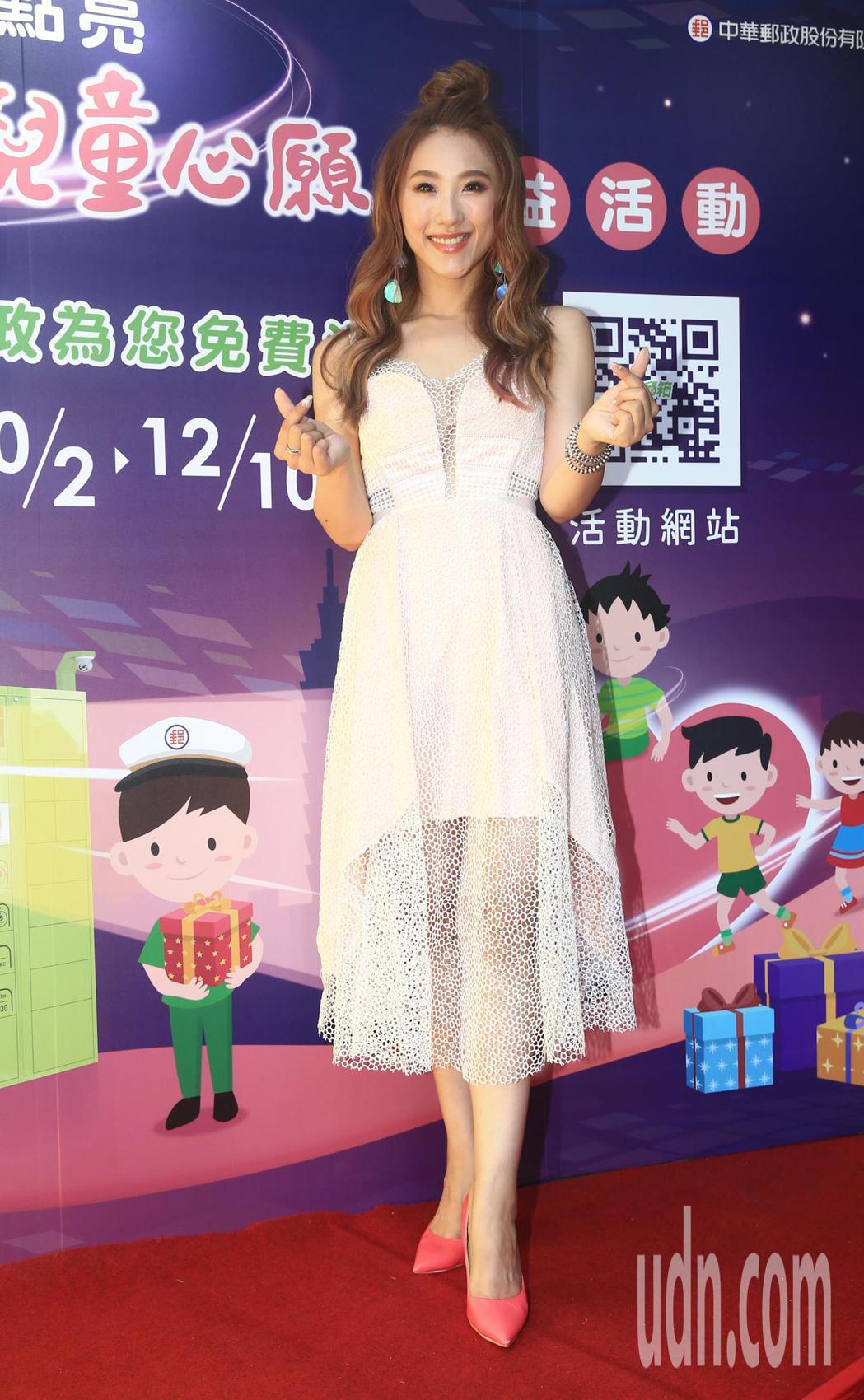 智慧城市168活動開跑媒體座談會記者會下午在台北電影公園舉行,藝人謝金晶帶眾人一...