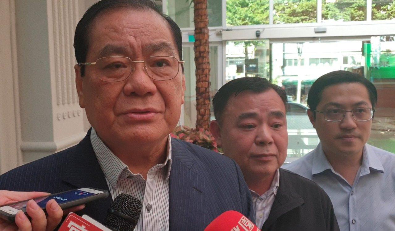 黨部力邀的韓本人確定不出席,由競選總部總幹事曾永權代打。記者鄭國樑/攝影