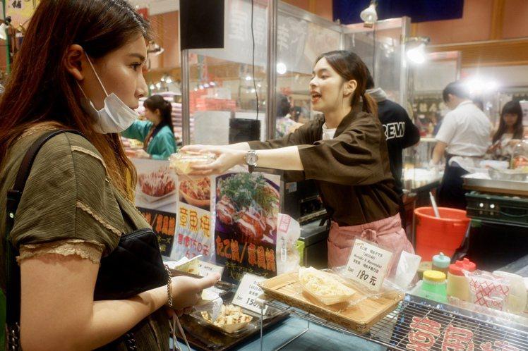 SOGO即日起至10/13推出「京都美食展」。記者江佩君/攝影