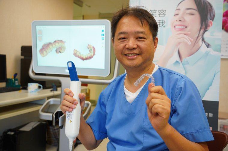 聯新國際醫院新引進透明牙齒矯正系統,透明牙套開口露齒時不易被發覺,配戴感較舒適,...
