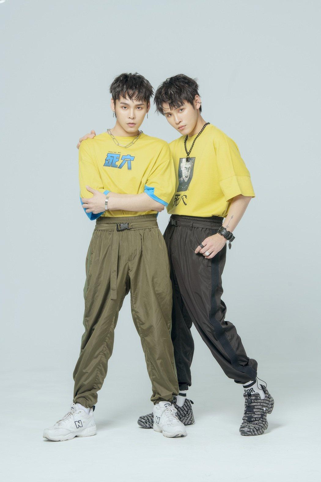 「這群人TGOP」的展榮展瑞組K.R Bros推出全新抒情搖滾單曲「安靜了太久」