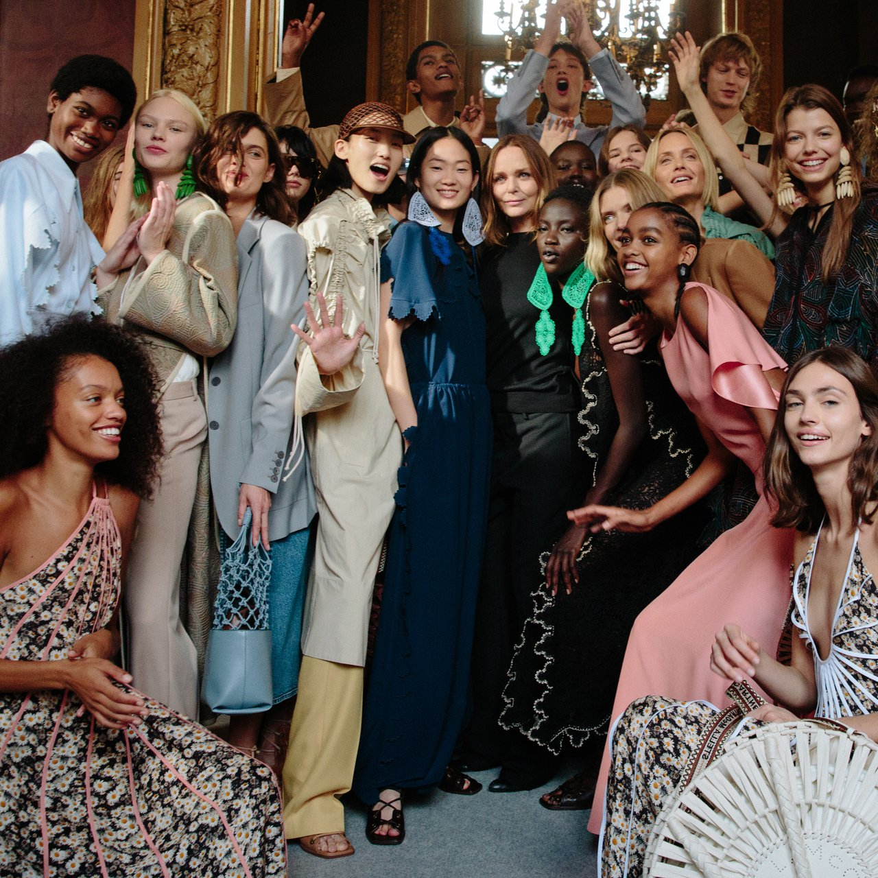 Stella McCartney 2020春夏的謝幕合影。圖/Stella Mc...