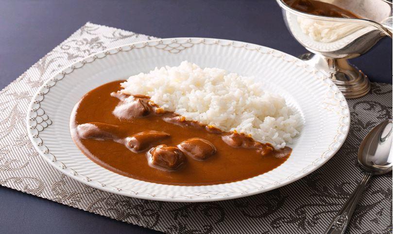 東急澀谷藍塔大飯店原創牛肉咖哩飯每份230元,日本展期間每天可賣超過百份。圖/新...