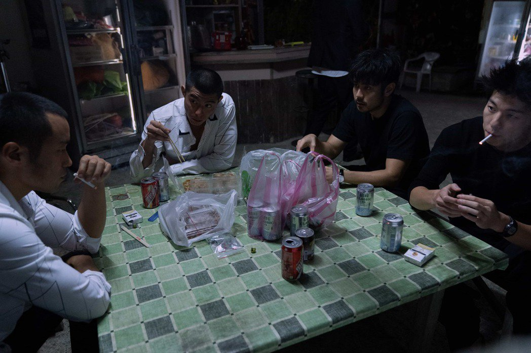 張孝全(左起)、王柏傑、章立衡、許光漢在「罪夢者」中是江湖好兄弟。圖/Netfl...