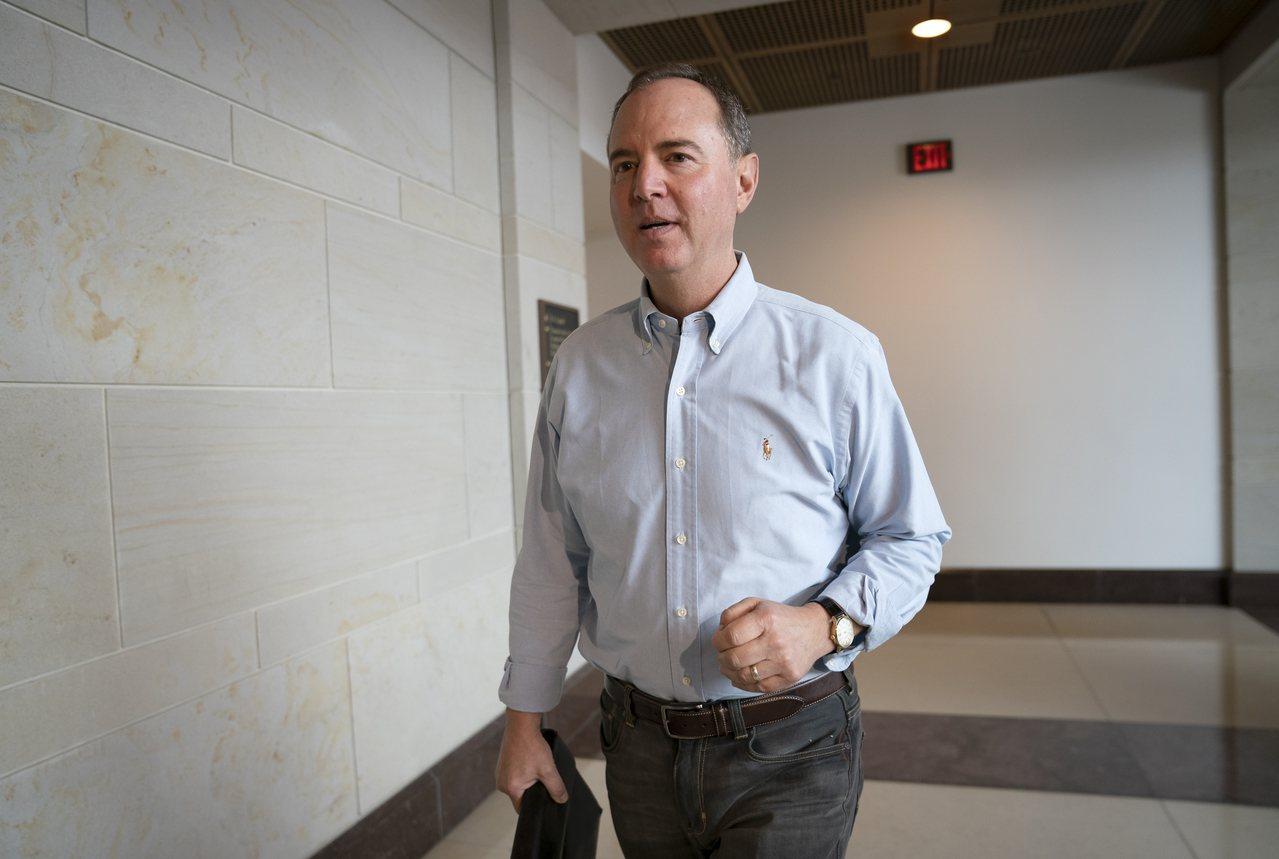 共和黨參議員葛拉斯理稱吹哨者應受保護。 美聯社