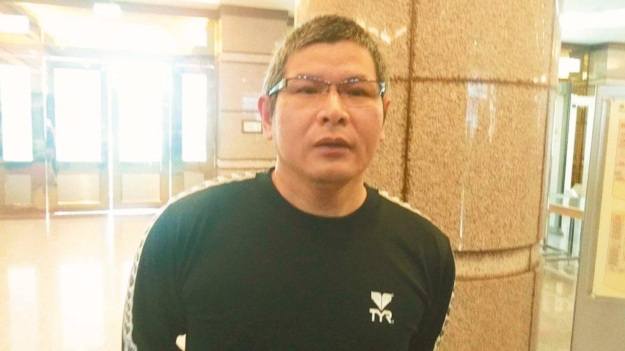 普悠瑪案,宜蘭地方法院今天首度開庭,傳被起訴的尤振仲等3名被告及51名告訴人出庭...