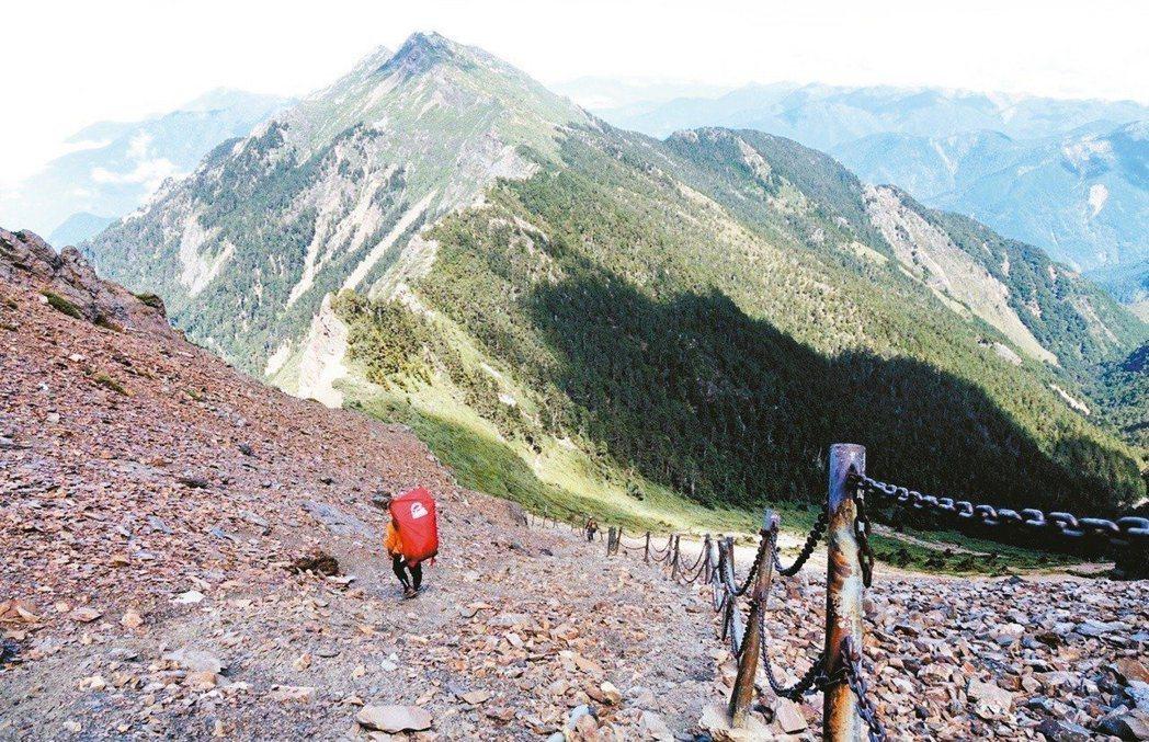 台灣登山人口越來越多,但山難、迷途事件也相當頻繁。 圖/報系資料照