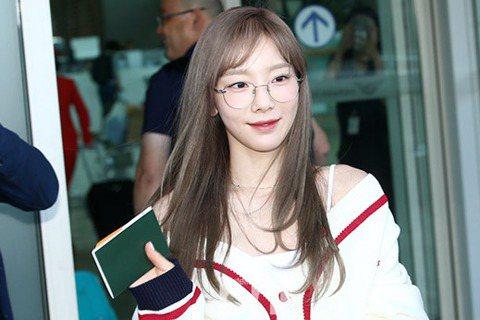 韓國人氣歌手泰妍將以10月回歸為目標准備著新專輯。2日,SM娛樂相關人士通過媒體表:「太妍正在為10月發行新專輯做准備。」據悉,太妍於今年3月通過新單曲《四季》和7月tvN《德魯納酒店》OST占領了...