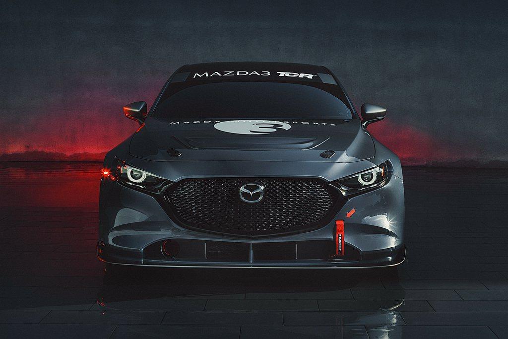 全新第四代Mazda 3採自然進氣汽油引擎與後扭力樑的懸吊設定,但在TCR賽車上...