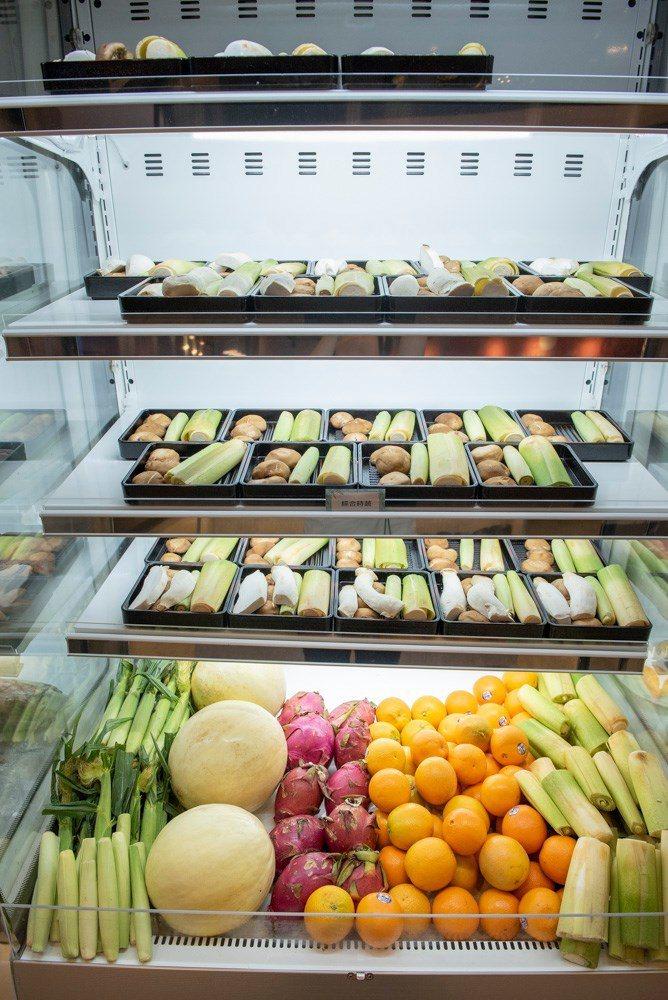 ▲蔬食類食材以菇類與筊白筍組成,也是熱門品項。