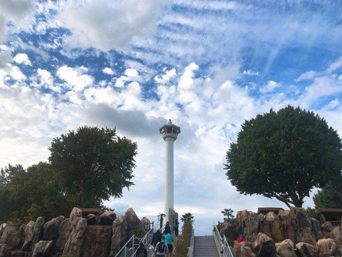 ▲釜山景點包車一日遊-釜山塔。(圖/Tripbaa趣吧!亞洲自由行專家)