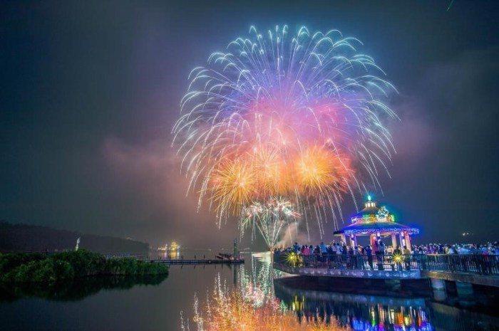 日月潭國際花火音樂嘉年華。 圖/交通部觀光局