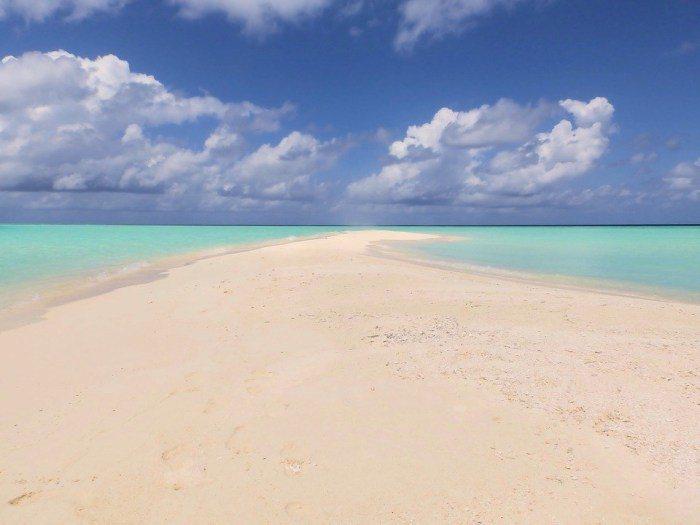 無人島沙洲。 圖/Pixabay