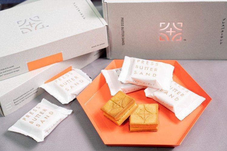 風靡日本的焦糖奶油夾心餅乾PRESS BUTTER SAND於2020/1/10...