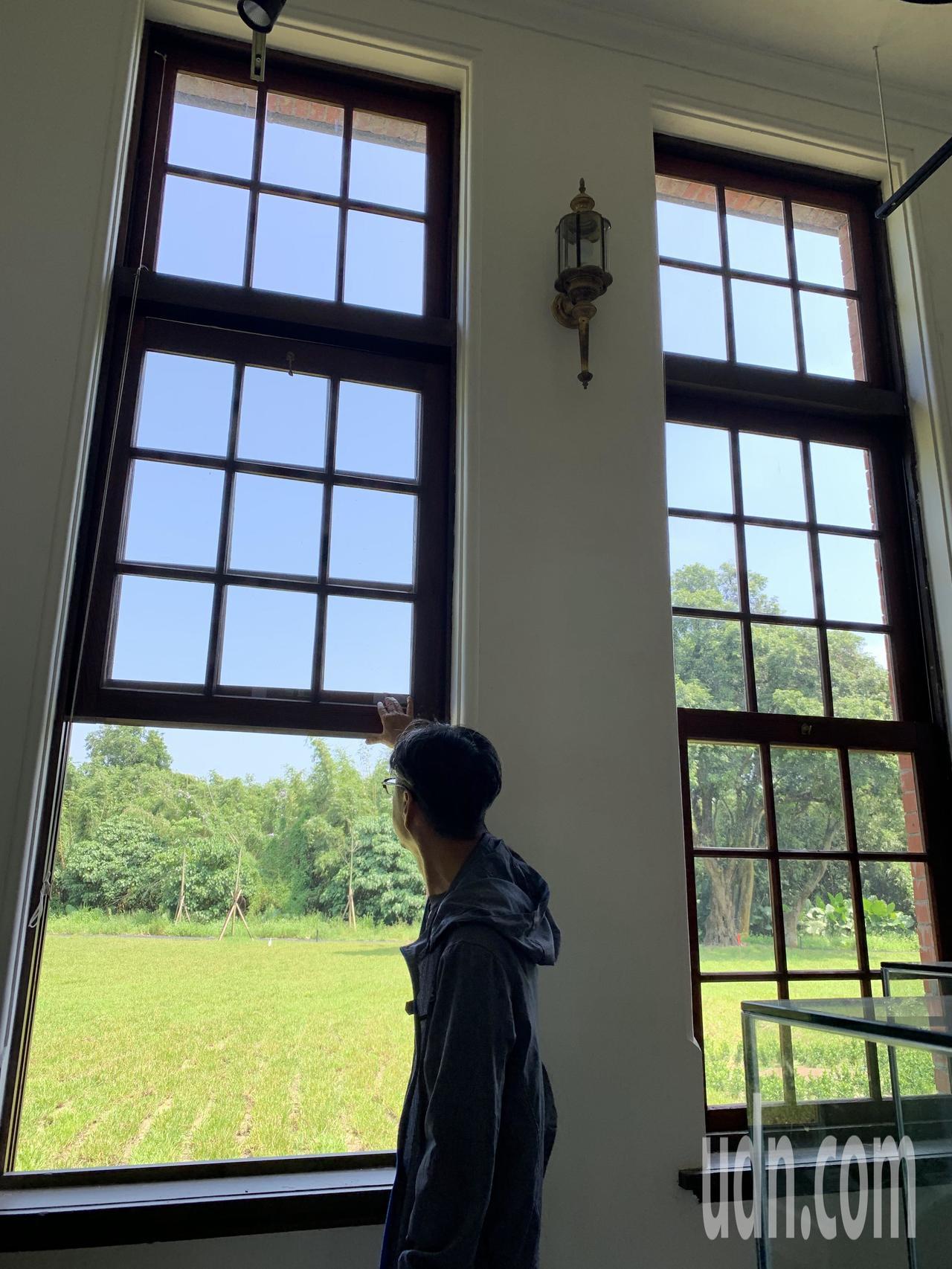台南山上水道博物館有比美總統府的「永衡之窗」工藝技術。記者吳淑玲/攝影