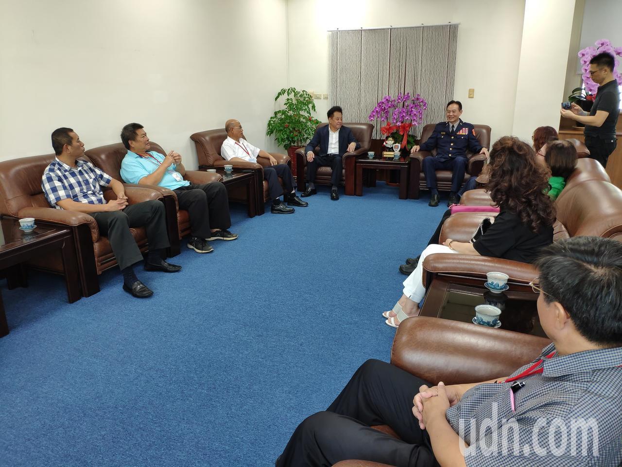 金門縣議會拜會台南市警局 議長局長相見歡
