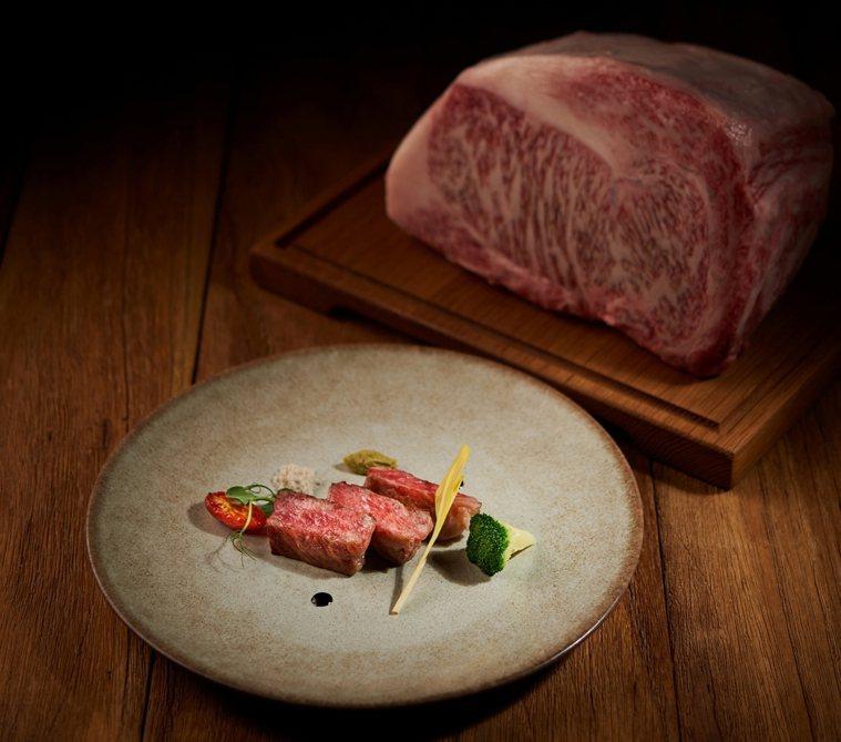 位上主餐有香煎A5和牛可選擇。圖/美福飯店提供