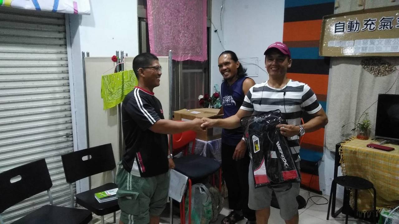 南方澳大橋事故中罹難的外籍漁工Impang George Jagmis(左)及S...