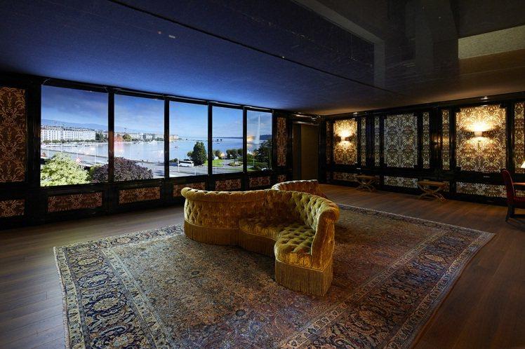 「拿破崙室(Napoleon Room)」是復刻日內瓦專賣店的五樓沙龍,可以俯瞰...