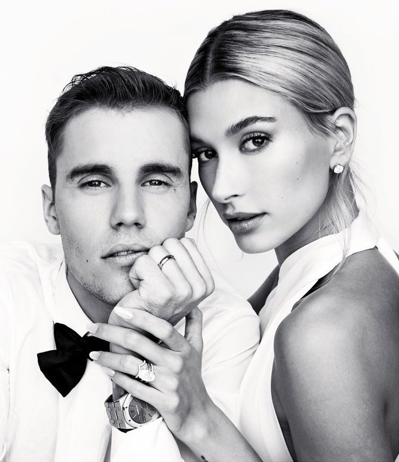 小賈斯汀結婚照上最引人矚目的是新娘海莉手上的大鑽戒。圖/摘自Instagram