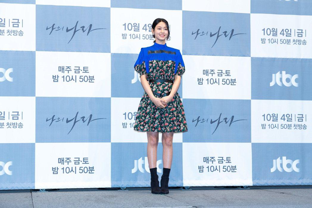 金雪炫暌違四年重返小螢幕。圖/Netflix提供