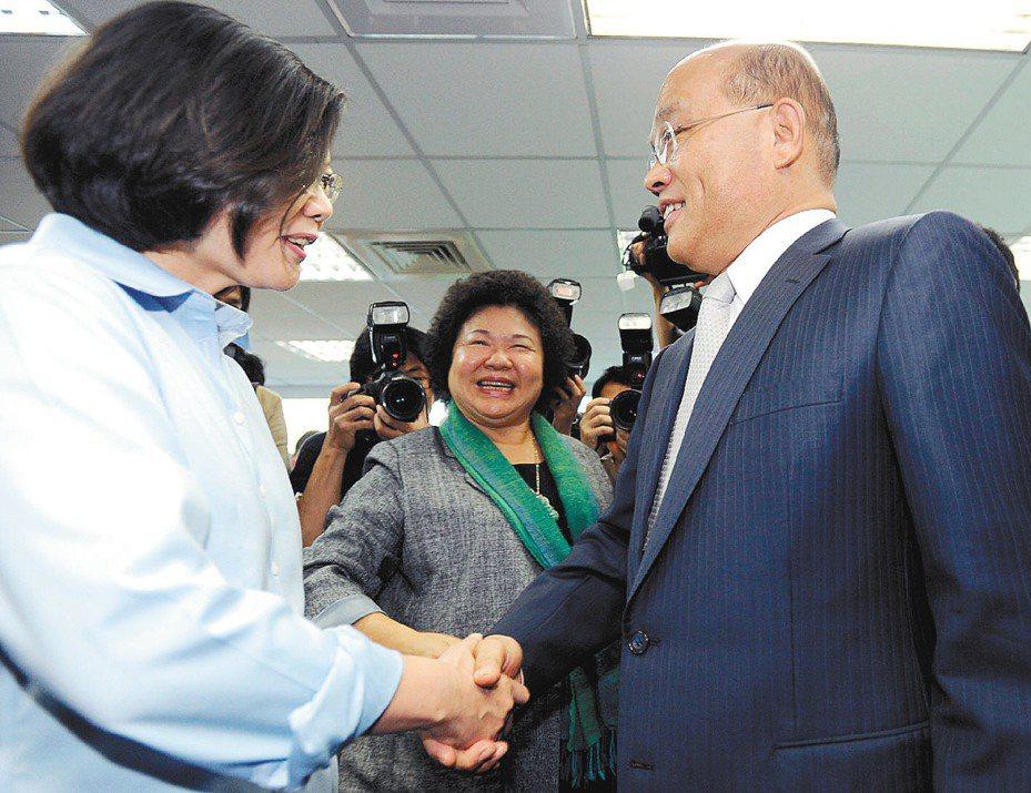 蔡英文總統(左)與行政院長蘇貞昌(右)的互動,一直是外界關注焦點。 圖/聯合報系資料照片