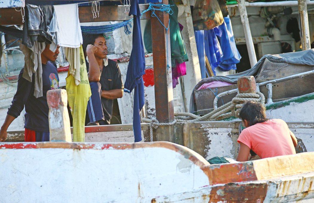 外籍漁工。記者杜建重/攝影