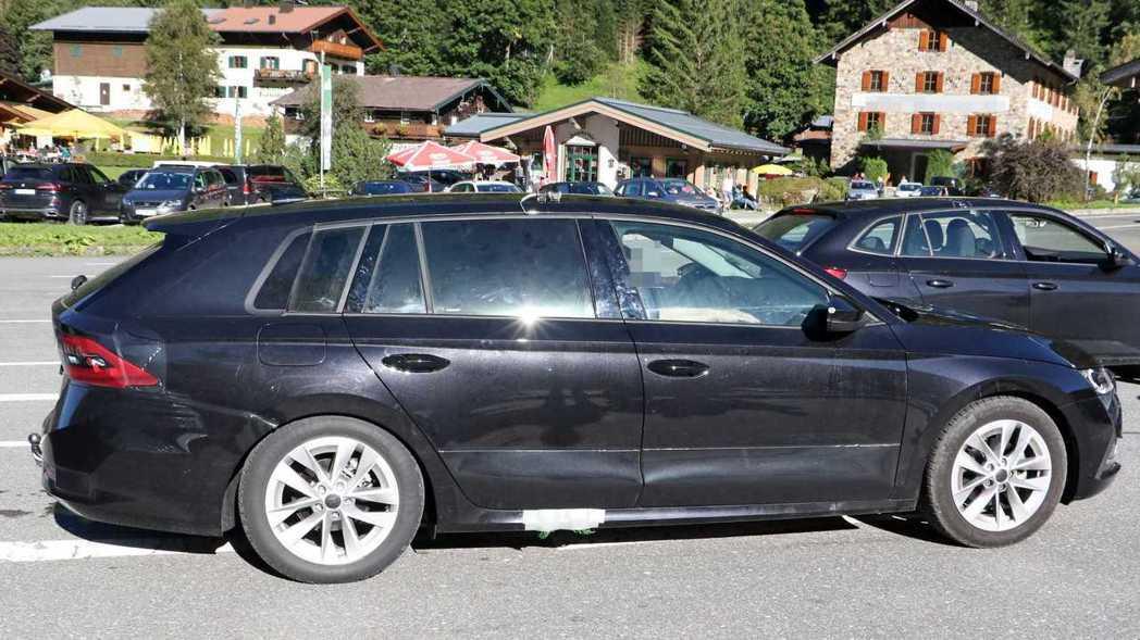 即便已經是同級車最長,下一代的Octavia尺碼依舊再次增大。 摘自Motor1