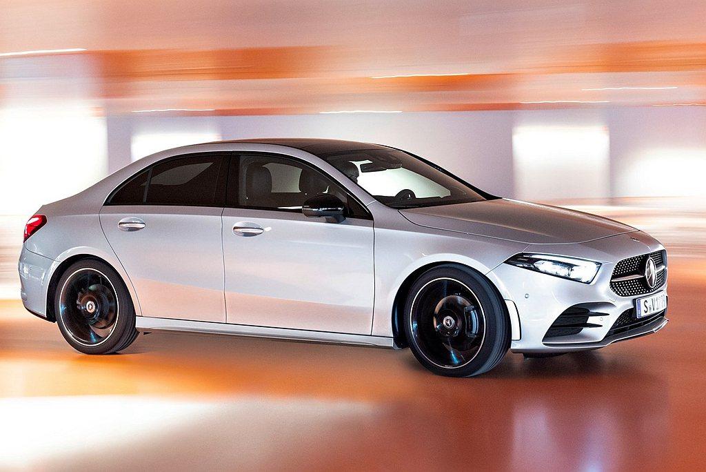 更動感的賓士A-Class Sedan房車正式導入台灣市場。 圖/Mercede...