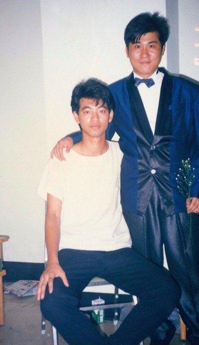 林耀隆大學時代參加音樂大賽,藝人胡瓜是主持人。圖/林耀隆提供