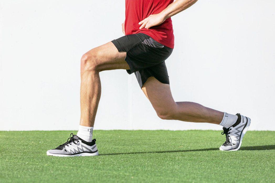 現在健身風氣盛,但醫師在臨床上碰到不少人忽略自身狀況,反而因運動受傷。圖...