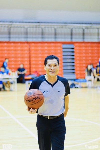 國際裁判徐德俊執哨超過45年。圖/徐德俊提供