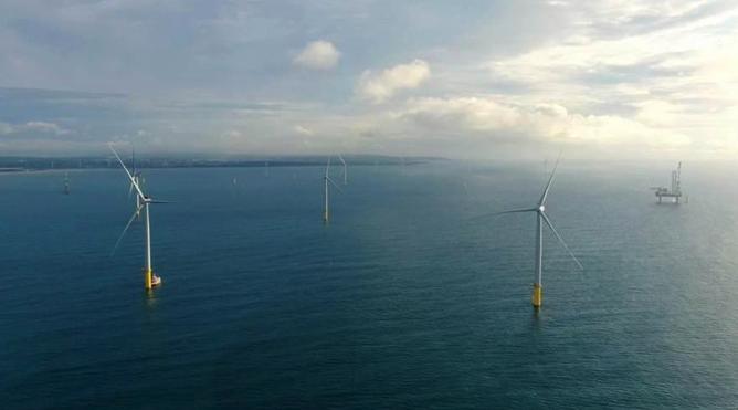 台灣第一個商業規模的離岸風場海洋風電(Formosa 1)於九月份開始發電試運轉