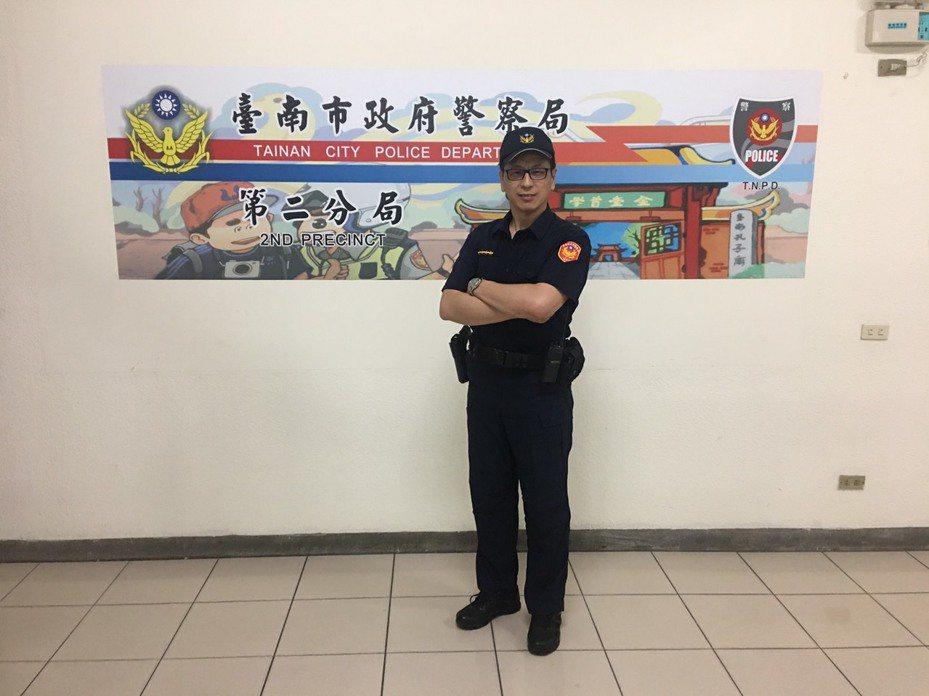 台南市警二分局警備隊巡佐兼副隊長楊義雄,本月7日將赴警大受訓,受訓後將候用晉陞巡官。記者黃宣翰/攝影