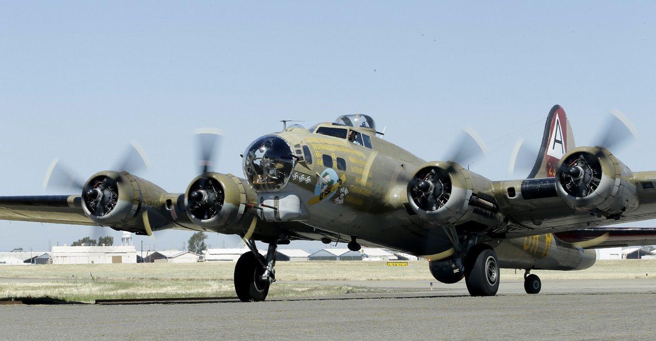 美國目前僅存18架B-17「飛行堡壘」,其中一架2日在康乃狄克州布拉德利國際機場...