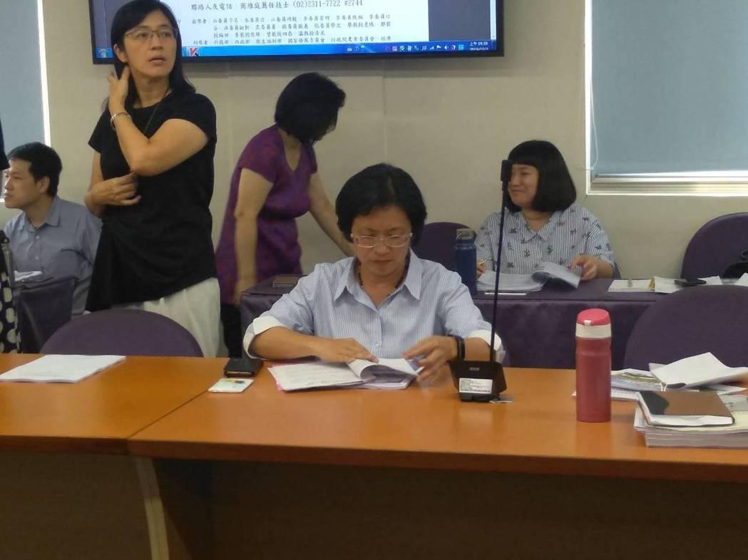 彰化縣長王惠美親自坐鎮環評初審會議。記者翁至威/攝影