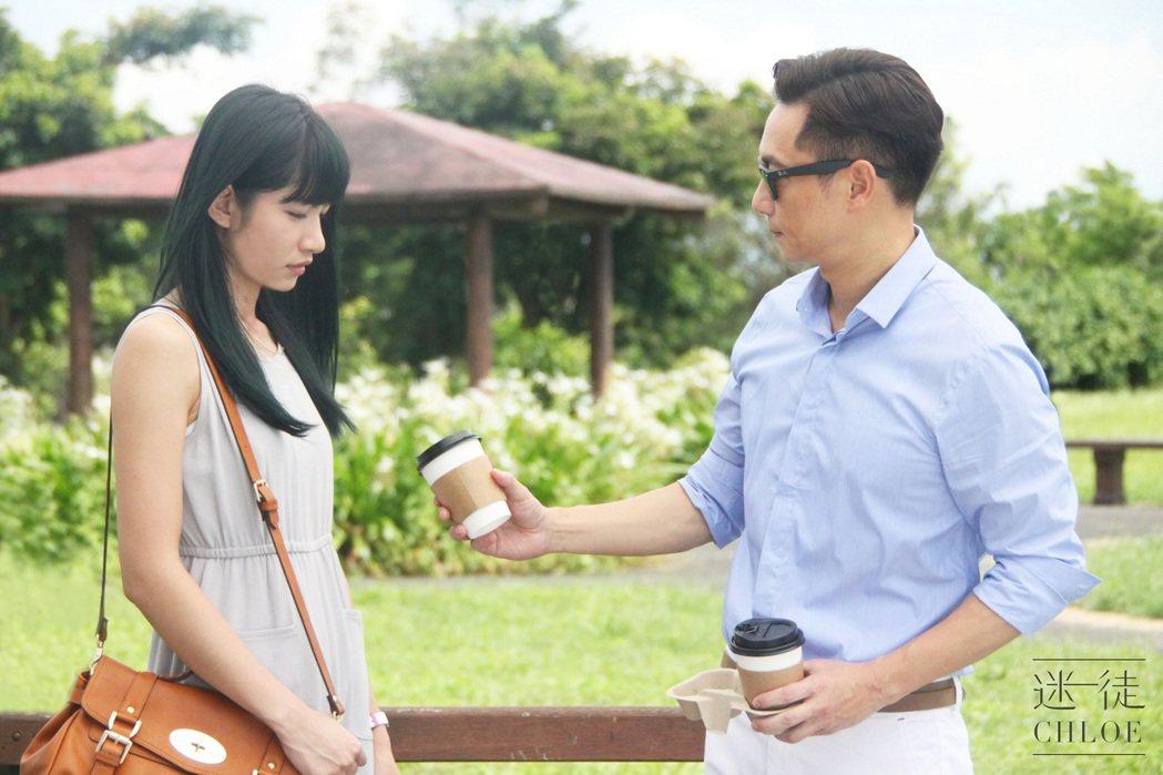 李千那(左)讚謝祖武的角色像太陽一樣。圖/八大提供
