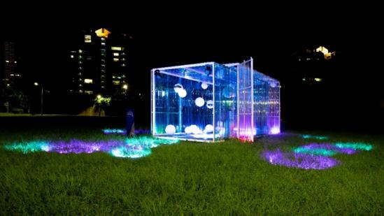 網美們注意!40座超美發光蒲公英 內湖美堤公園登場