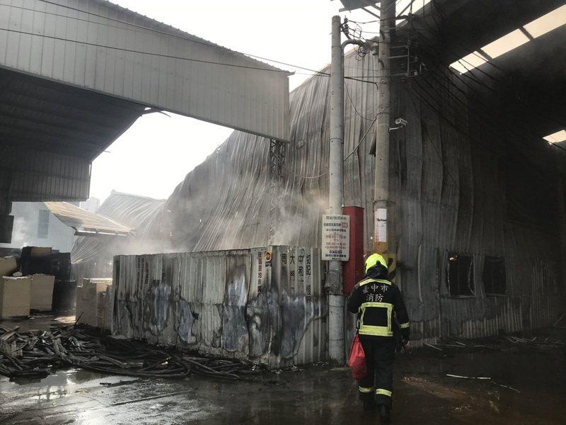 台中市大雅區中和六路工廠今凌晨發生火警,2名消防員因公殉職。聯合報系資料照/記者林佩均/攝影