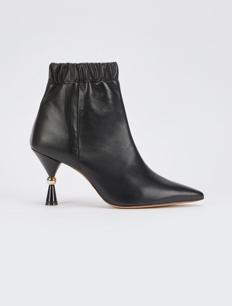 MAX&Co.2019秋冬新品束口式尖頭靴,售價18,800元。圖/MAX&Co...