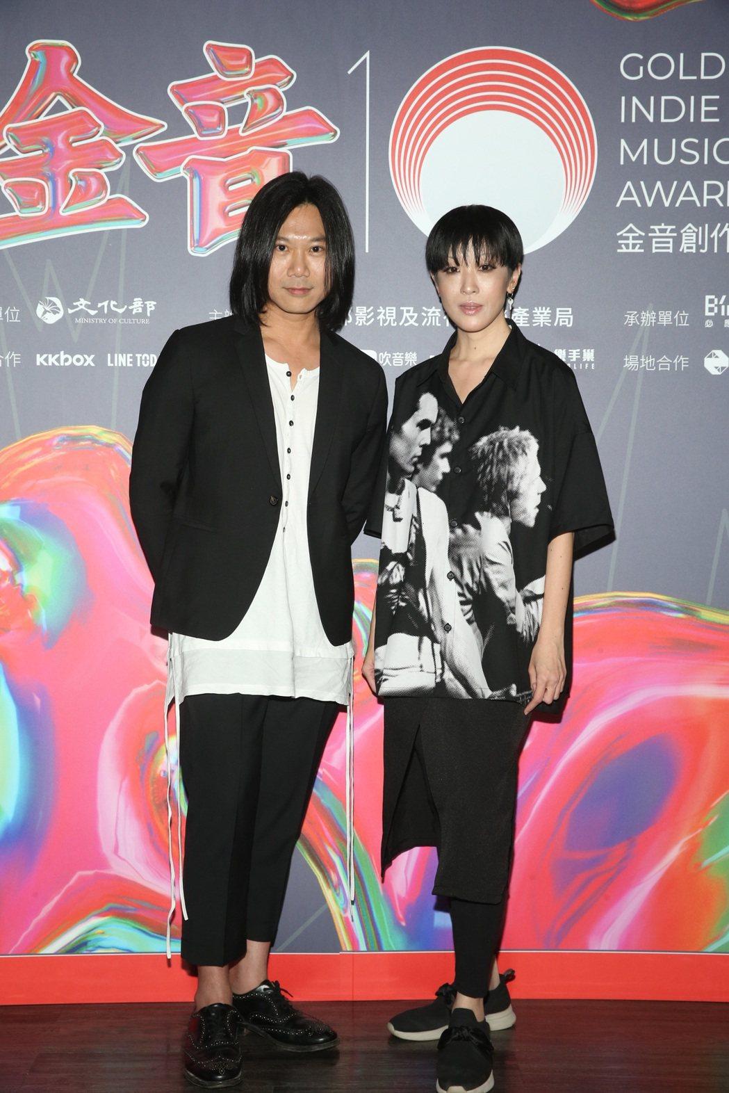 瑪莎(左)接棒陳珊妮擔任第十屆金音獎評審團主席。圖/文化部影視及流行音樂產業局提