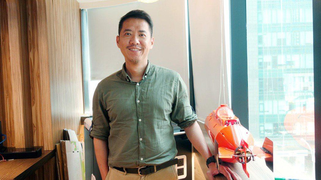透過承接政府計畫,沈旻喆推動公平教育並幫助台灣業者與國際合作。 攝影/張淳育