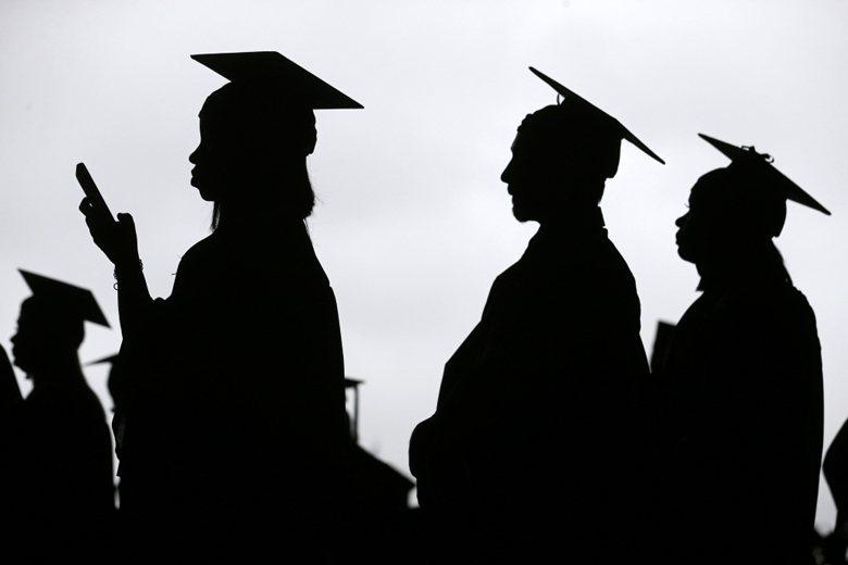 從為自己負責的態度出發,進而匯聚為大眾實現抱負的能量,那才是高等教育的價值,也是教育之於社會的根本。 圖/美聯社