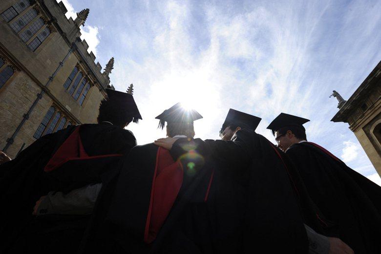 在英國,博士學位的授予不只是取得「學位」,更是「榮譽」。 圖/路透社