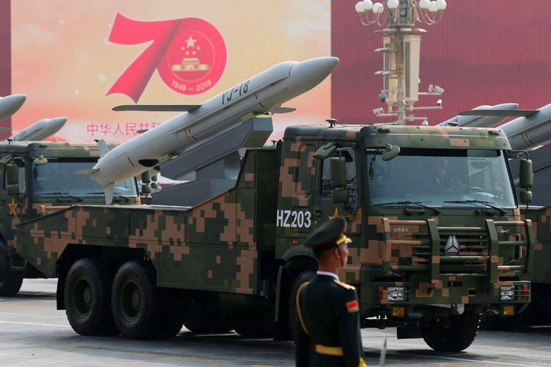 鷹擊18/18A是仿製俄國的俱樂部飛彈家族,解放軍稱之為「亞超結合反艦飛彈」。 ...