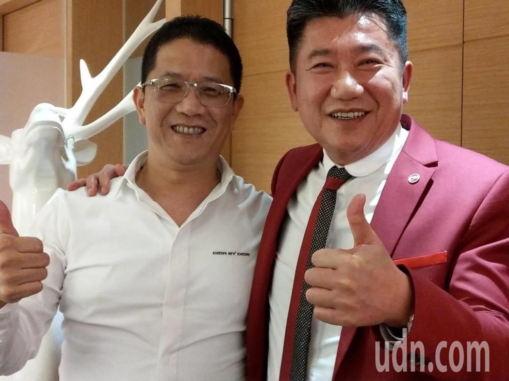 北部市場的代銷公司創意家董事長王明正(右),攜手高雄的泰嘉開發總經理呂金發(左)...
