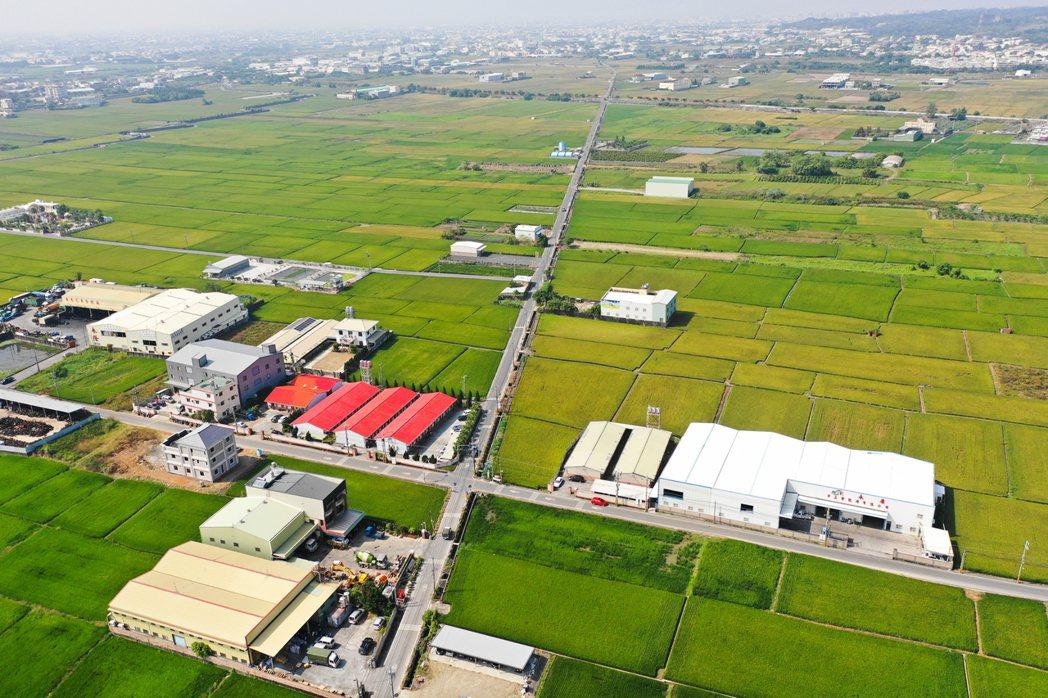 環團指出,可以預期工輔法修法通過以後,各地工廠都會如雨後春筍般得大蓋一波,新增建...