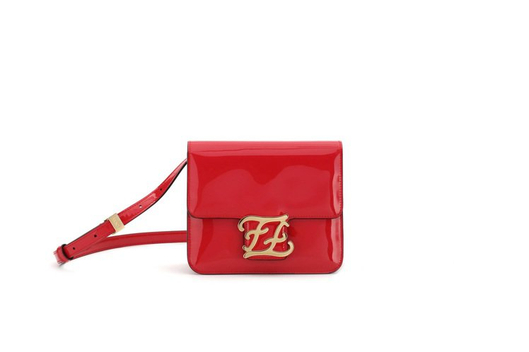 紅色Karligraphy包款,售價63,000元。圖/FENDI提供